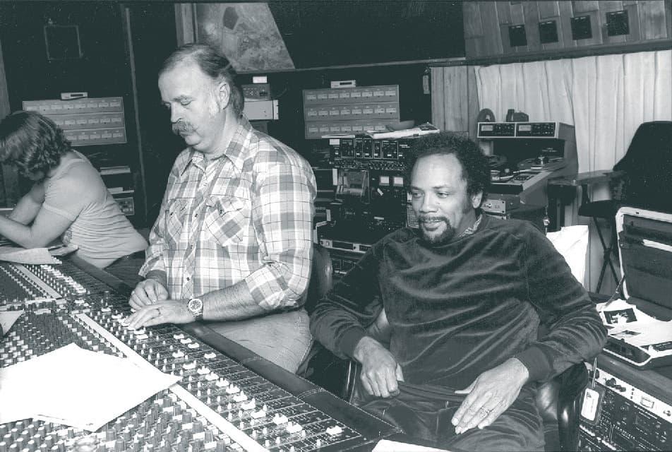 Swedien et Quincy Jones en studio