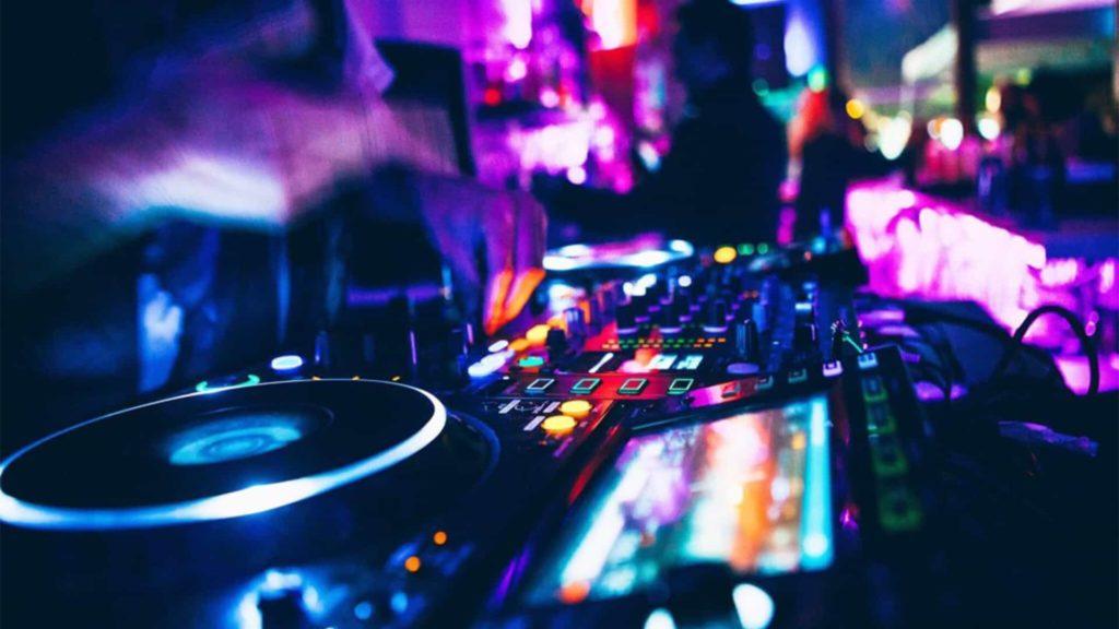 Devenir DJ Événementiel fait partie des métiers très prisés